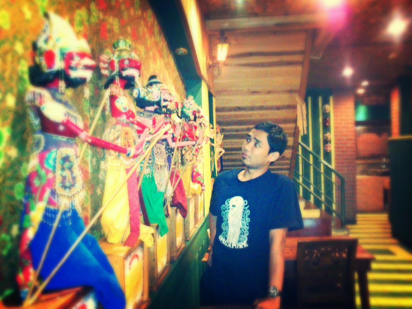 Asli Bandung, Warung Cepot.