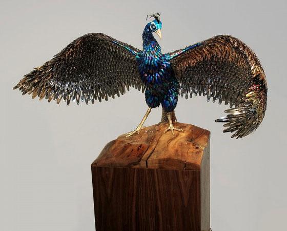 LA CIENCIA DE LA VIDA: Esculturas de pavos reales de Laurel Roth