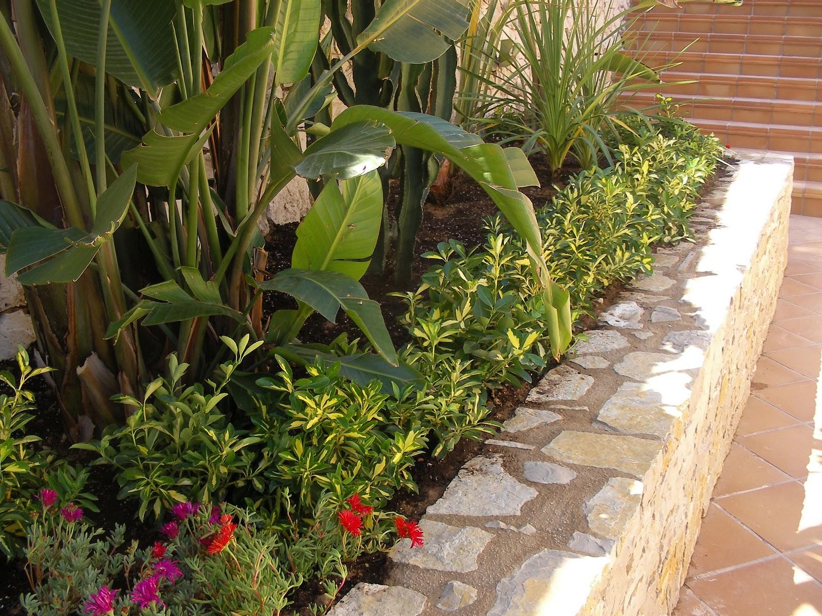 Ideagarden Construccion De Jardinera De Piedra