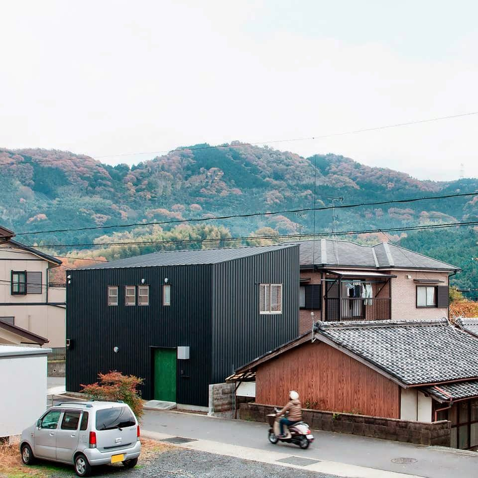 Combine between container and tatami make a modern for Minimalist house type 36