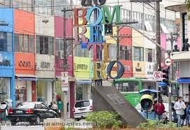 placas de lojas em São Paulo
