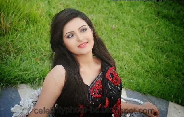 Bangladeshi+Super+Hot+And+Cute+Model+Pori+Moni's+HD+Photos023