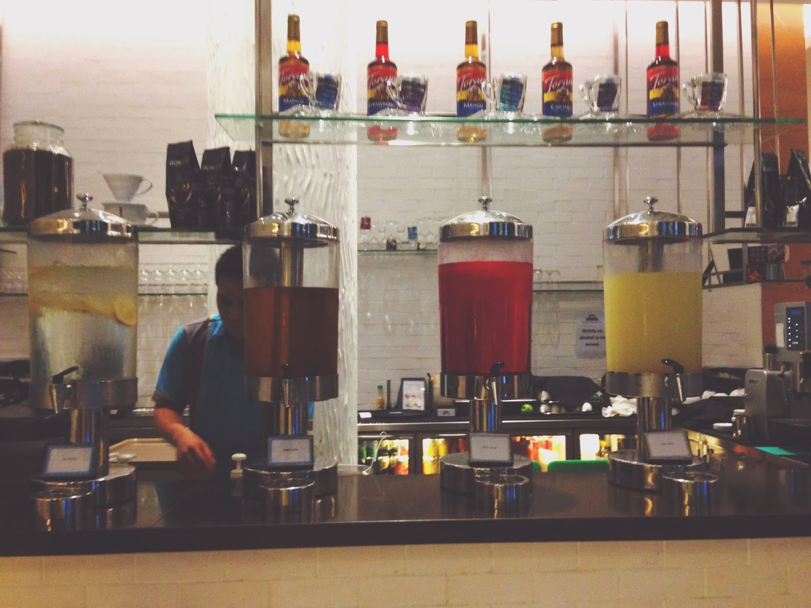 21 on Rajah Days Hotel Zhongshan Park Drinks Counter