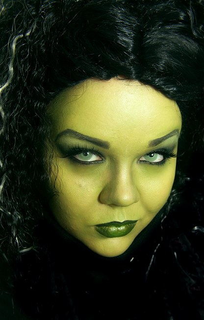 Wicked Witch Eye Makeup Wicked witch elphaba look,