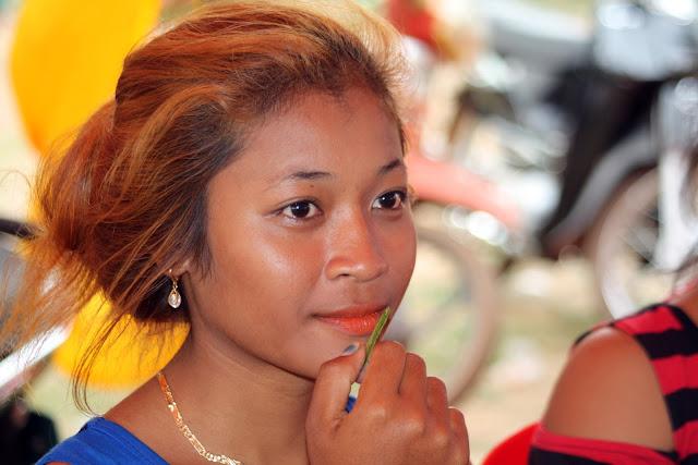 Visage d'une jeune femme originaire de Kampong Thom