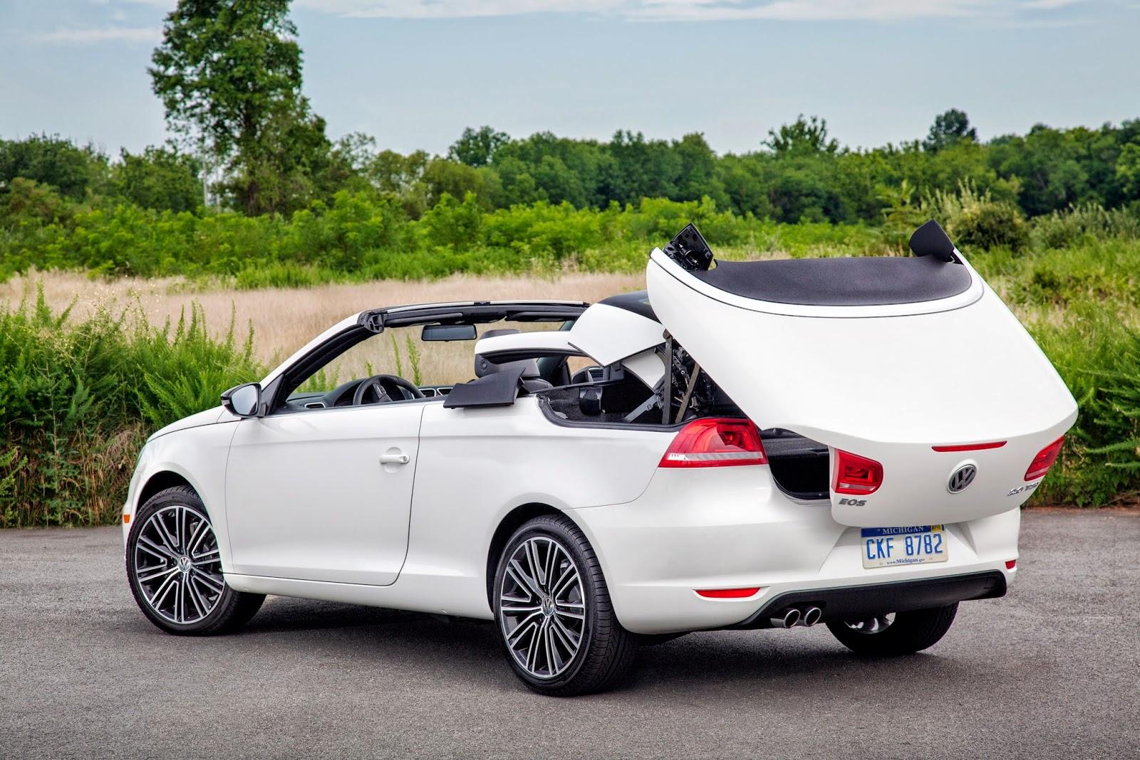 Rear 3/4 view of 2014 Volkswagen Eos Sport