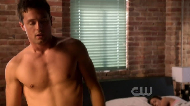 Stephen Colletti Shirtless in One Tree Hill s9e01