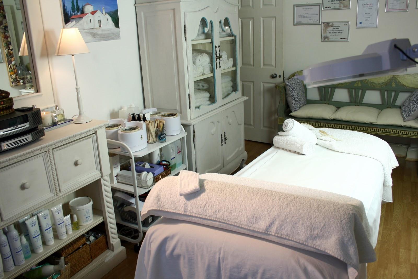 Salon massage gay - Branlette au salon de massage ...