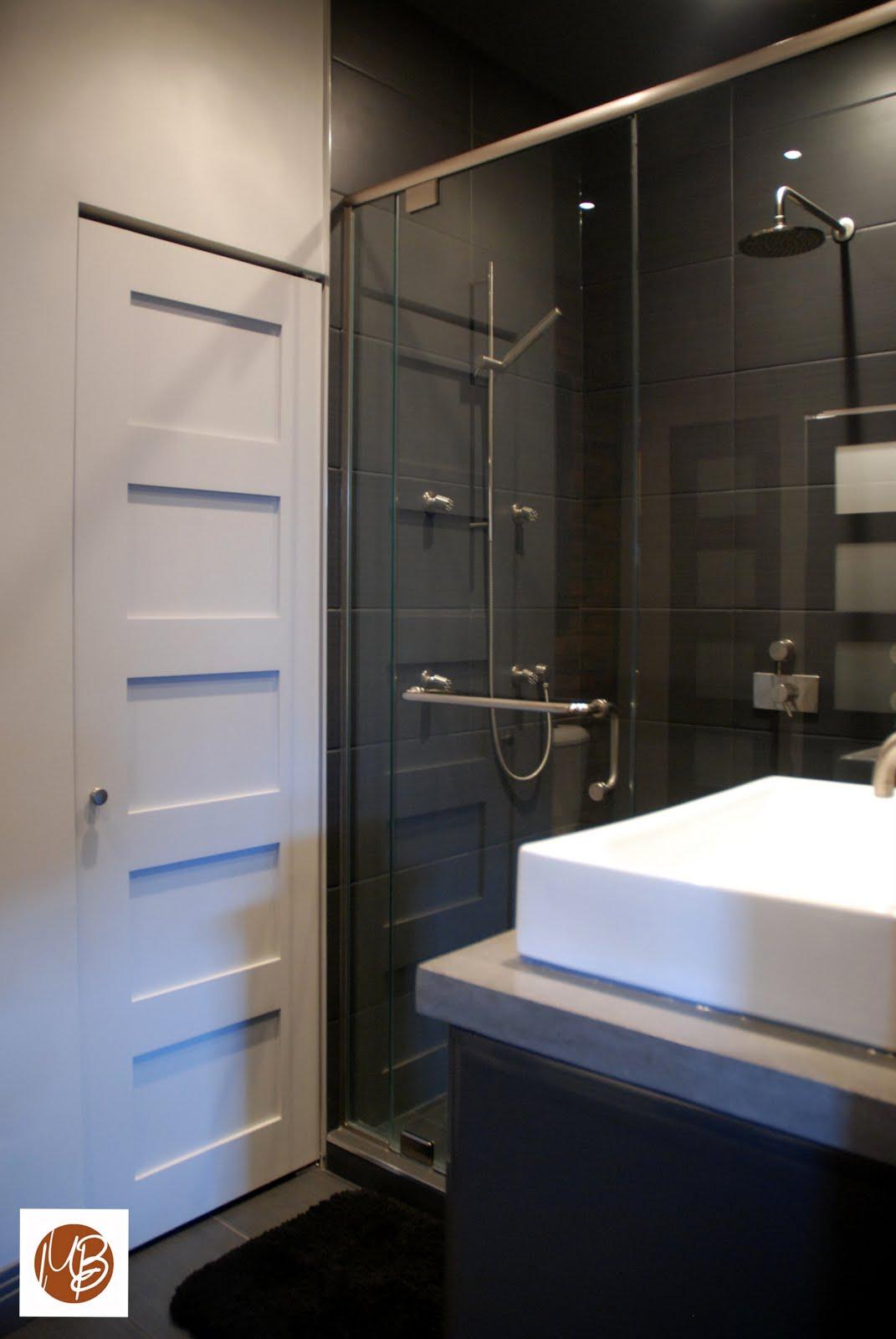 L 39 espace d co salle de bain en milieu urbain for Peinturer un comptoir de salle de bain