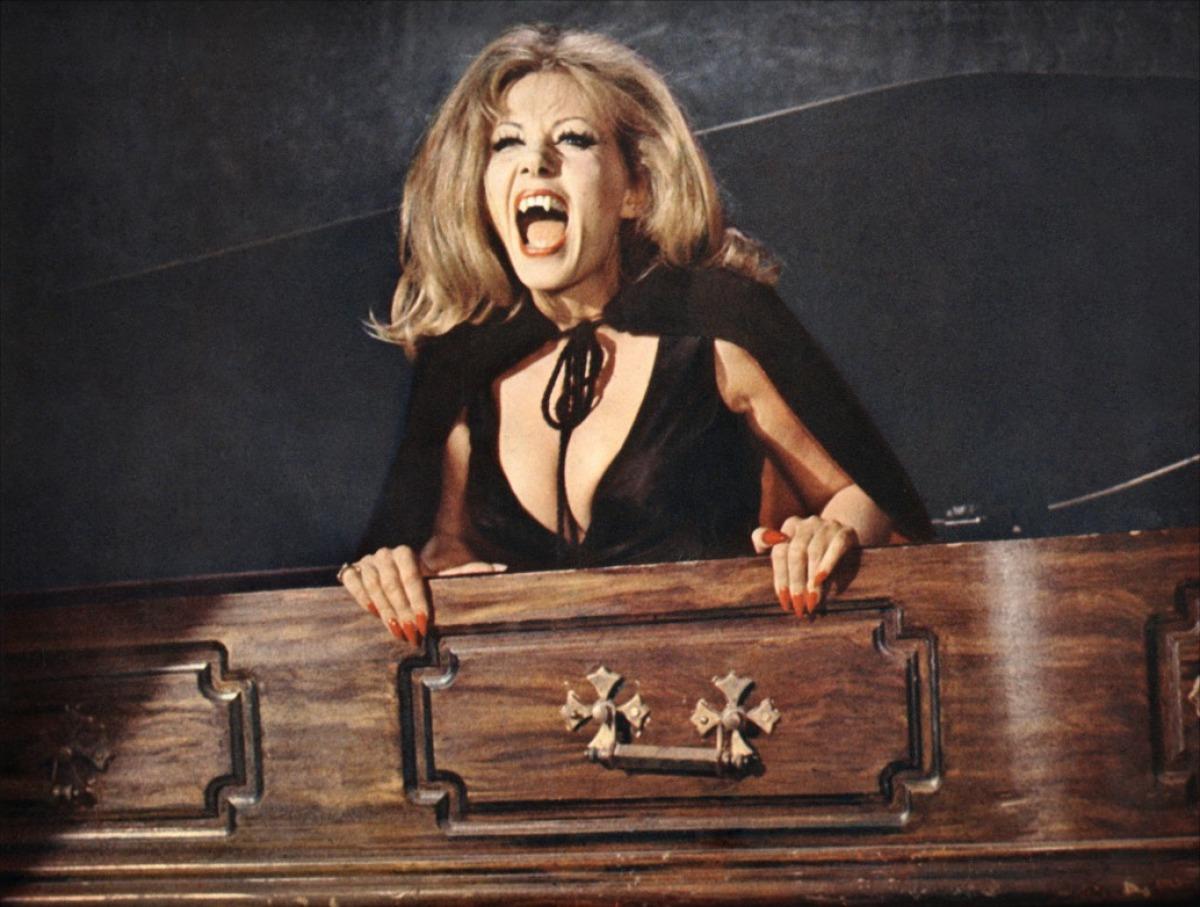 The bleeding dead film reviews women in horror scream for Ingrid house