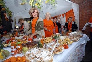 Le Giornate della Zucca a Kikinda, Serbia, zucche grandi, autunno, sagra della zucca, banchetto in piazza