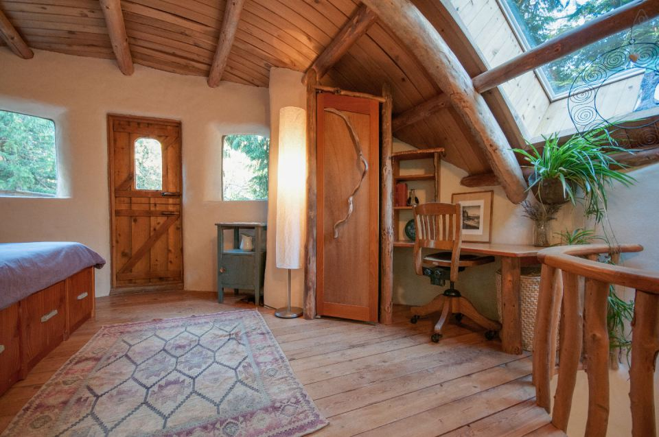 Moon to moon mayne island cob house for Adobe house construction cost