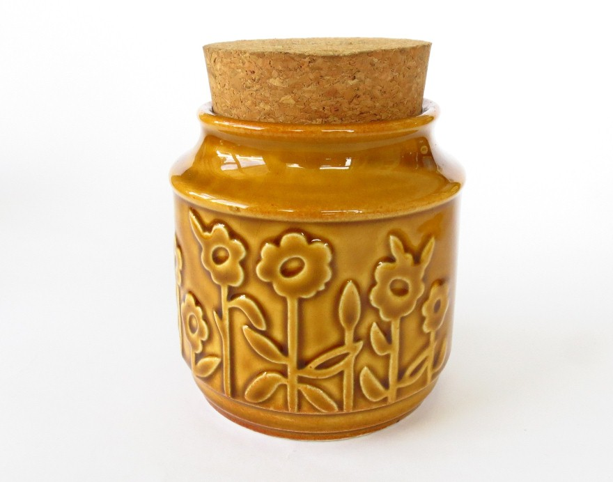 Is this Crown Lynn and can you tell me more about this design? Blog+ginger+cannister+daisies+sml