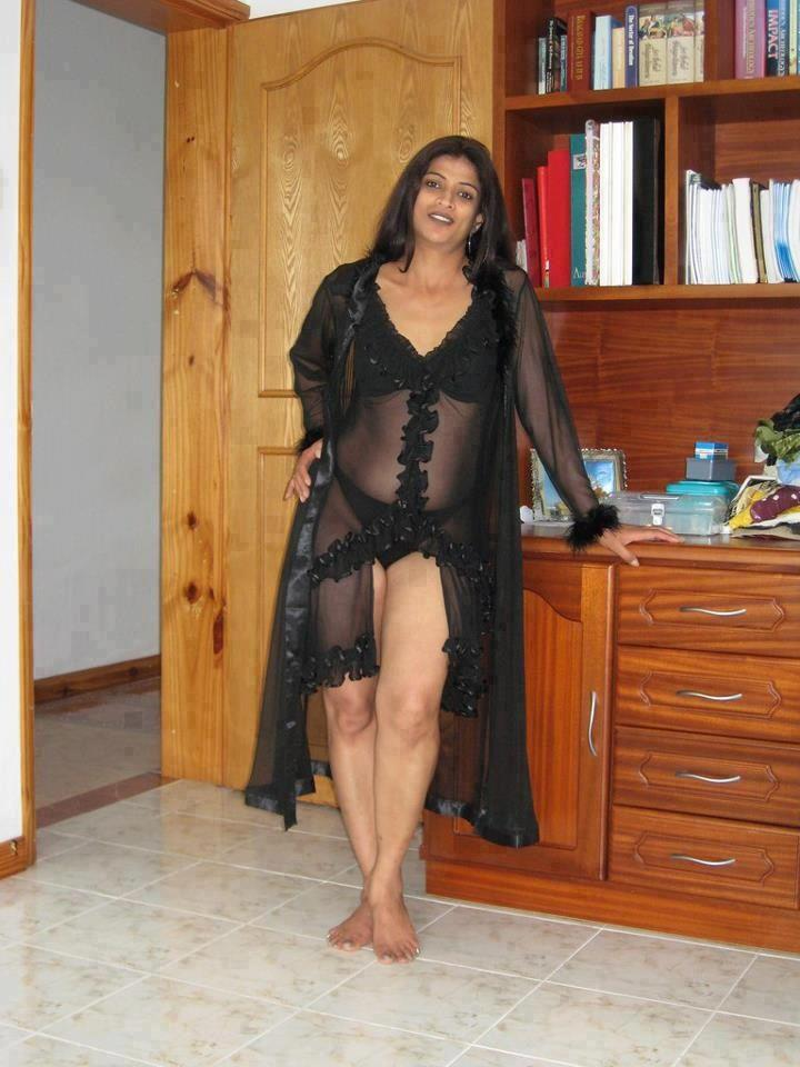 Indian Hot Aunties Bedroom Home Photo