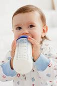 """Απαγορεύονται πλέον στην Ε.Ε. οι φωτογραφίες """"χαμογελαστών μωρών"""" στις συσκευασίες βρεφικού γάλακτος σε σκόνη."""
