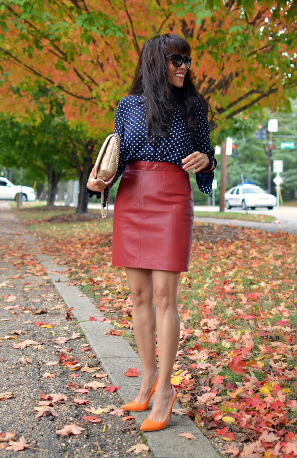 How to wear a red leather skirt