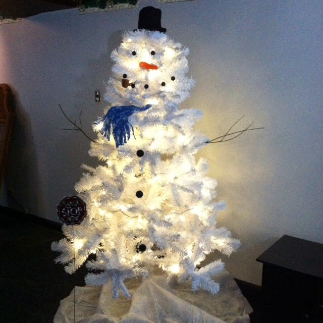 DIY White Christmas Tree Snowman - DIY Craft Projects