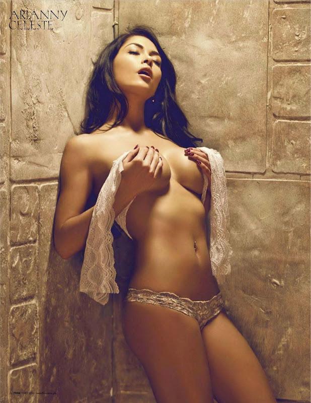 Arianny Celeste topless