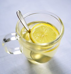 http://2.bp.blogspot.com/-LR5VPSN4MRA/TlKQyZV0_II/AAAAAAAAAKg/PXTWJ6Jf5fE/s1600/hot-lemon-water-for-the-liver.jpg