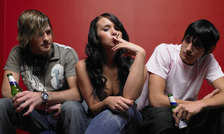 Cancer de mama, consumo de alcool aumenta risco em adolescentes