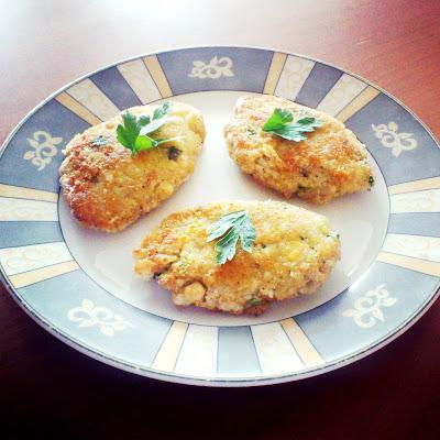 Kotlety jajeczno-ziemniaczane ze szczypiorkiem