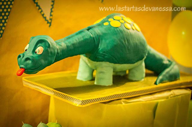"Tarta 3d fondant ""Dinosaurio"""