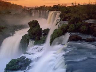 Amazing-Waterfall-Wallpapers