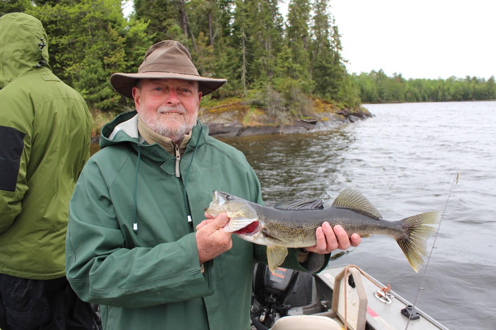 Rainy lake houseboats fishing report great fishing on for Rainy lake fishing report