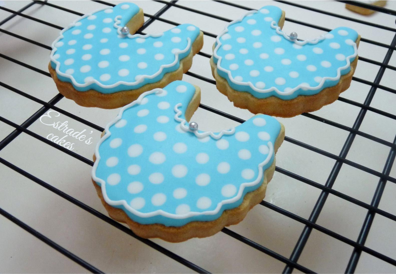 galletas para bautizo decoradas con glasa - babero