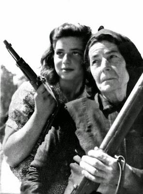 women-in-the-war-of-40-photo-11