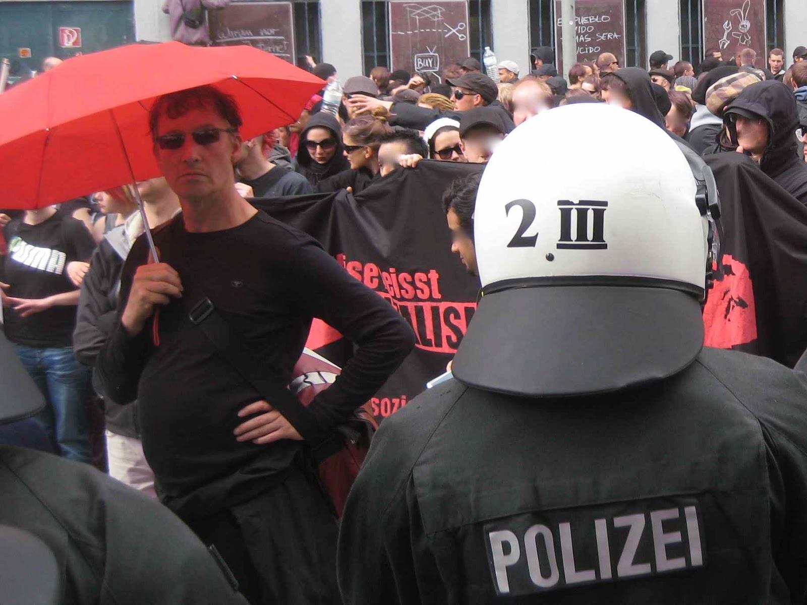 Schutz der bevölkerung gegen aktive bewaffnung der polizei