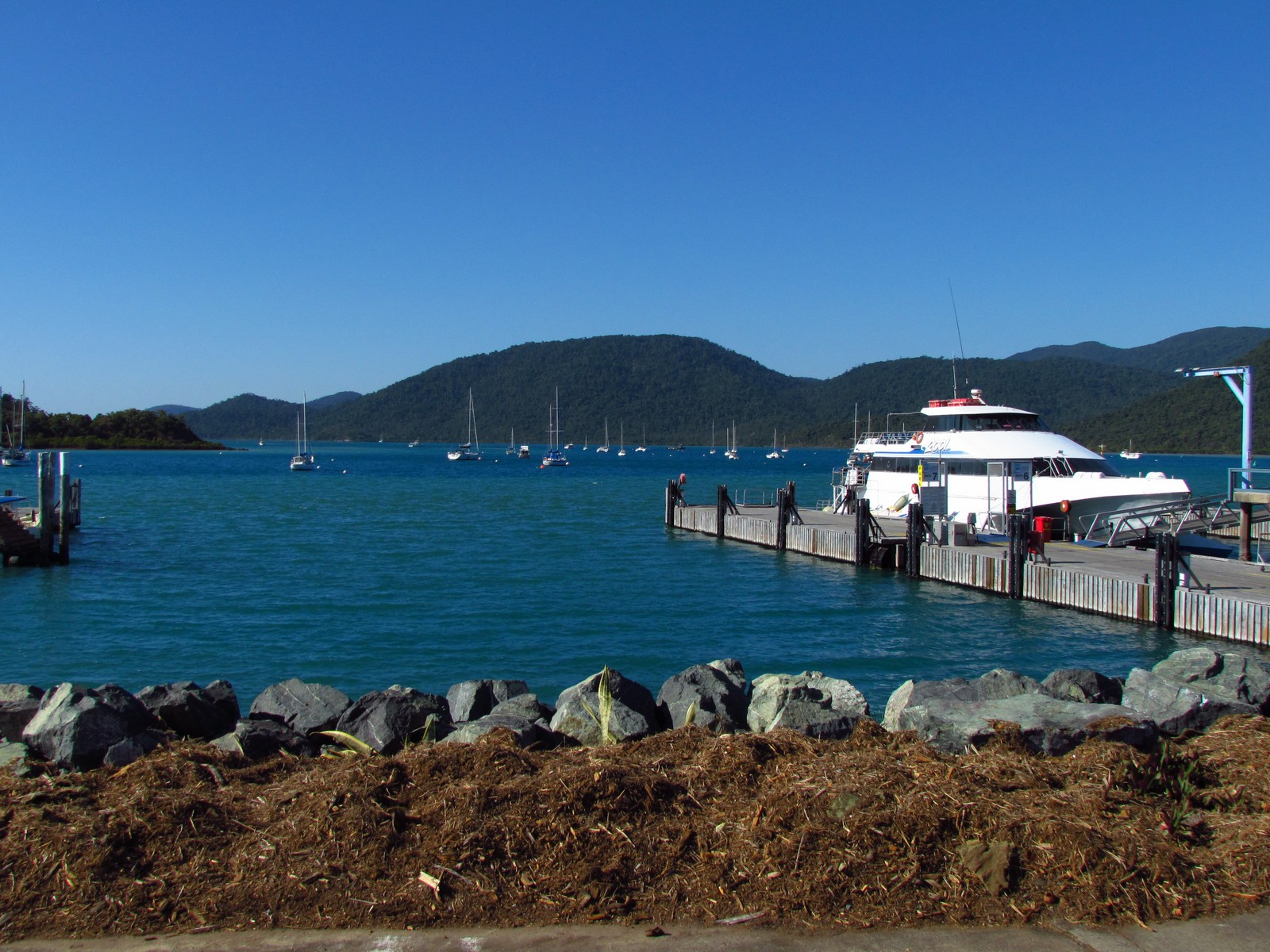 Transport From Hamilton Island To Airlie Beach