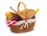 http://2.bp.blogspot.com/-LSmy6PAK_hE/UauPAGacIVI/AAAAAAAAAuY/nDMd01uKKTY/s1600/picnic-food-ideas1.jpg
