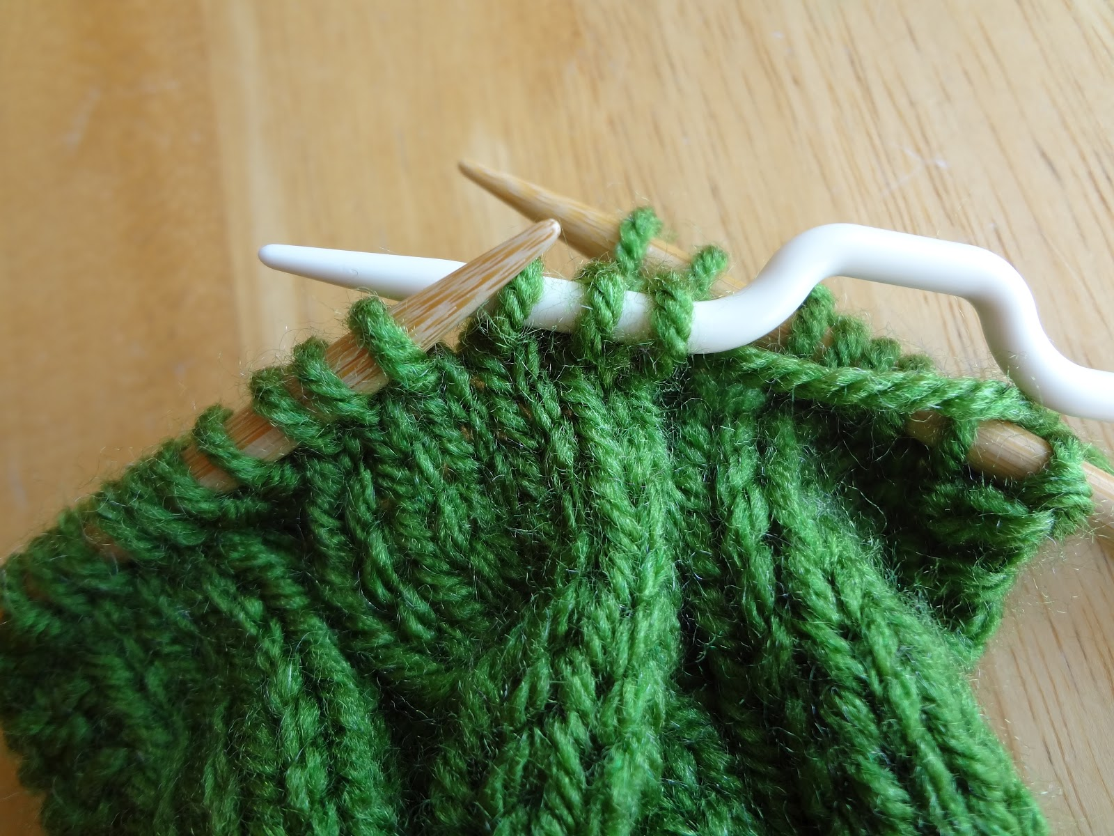 Knitting Cable Stitch Library : Fiber Flux: From the Knitting Stitch Library...How to Make Cables