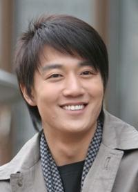 Biodata Kim Rae Won pemeran Park Jung Hwan