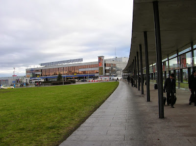 Aeropuerto de Berlín - Schoenefeld,  Berlin, Alemania, round the world, La vuelta al mundo de Asun y Ricardo, mundoporlibre.com