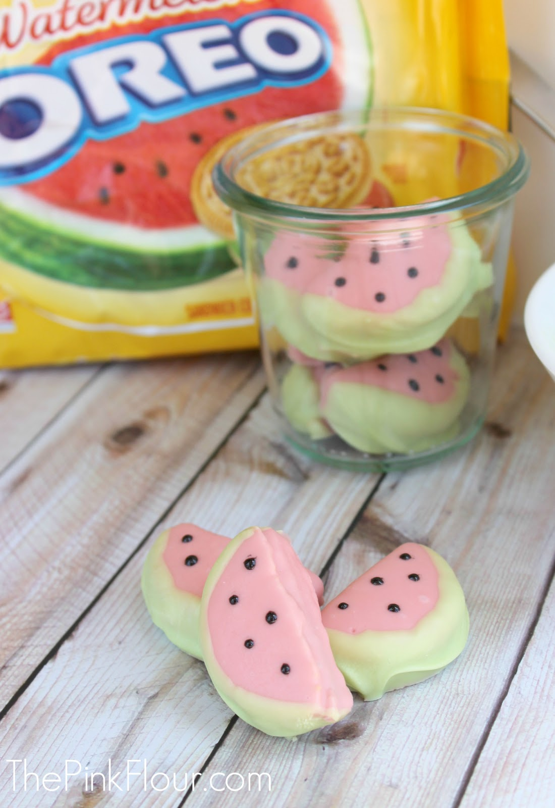 Chocolate Covered Watermelon Oreos - watermelon Oreos made to look like watermelon slices