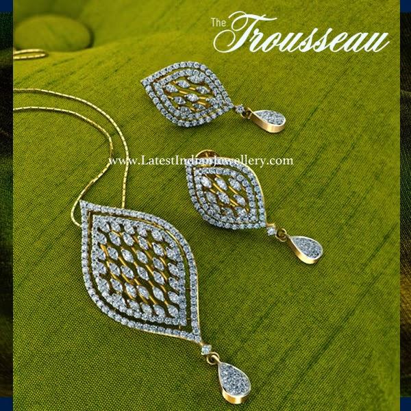 Splendid Diamond Pendant Set