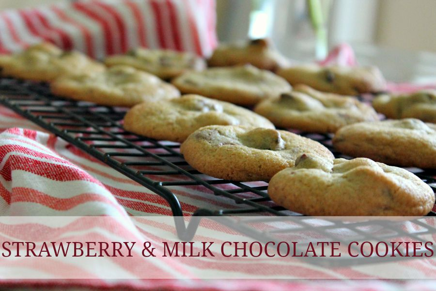 Strawberry and Milk Chocolate Cookies