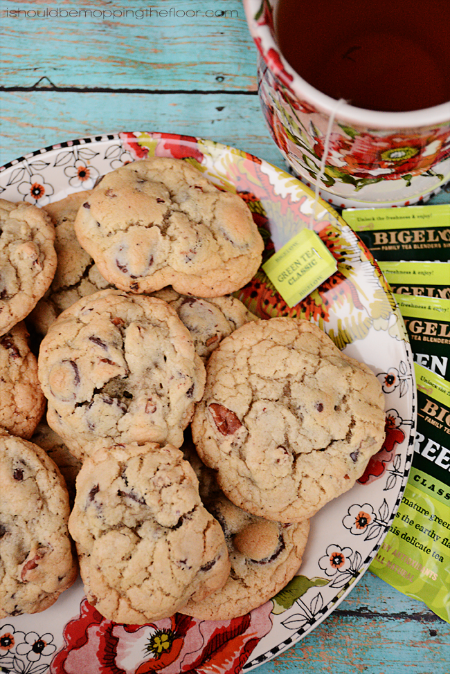 Green Tea-Infused Dark Chocolate Chip Cookies