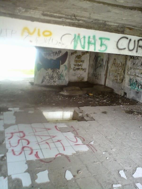 rumah hantu darmo lantai 2