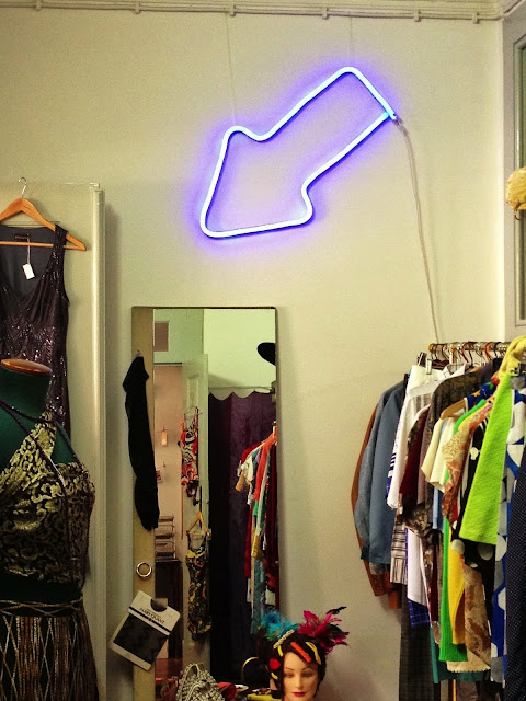 vintage clothing and acessories, a Porta Verde, Aveiro, Portugal,