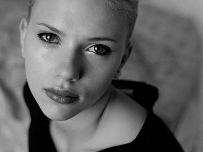Scarlett Johansson cute girl HQ Wallpaper