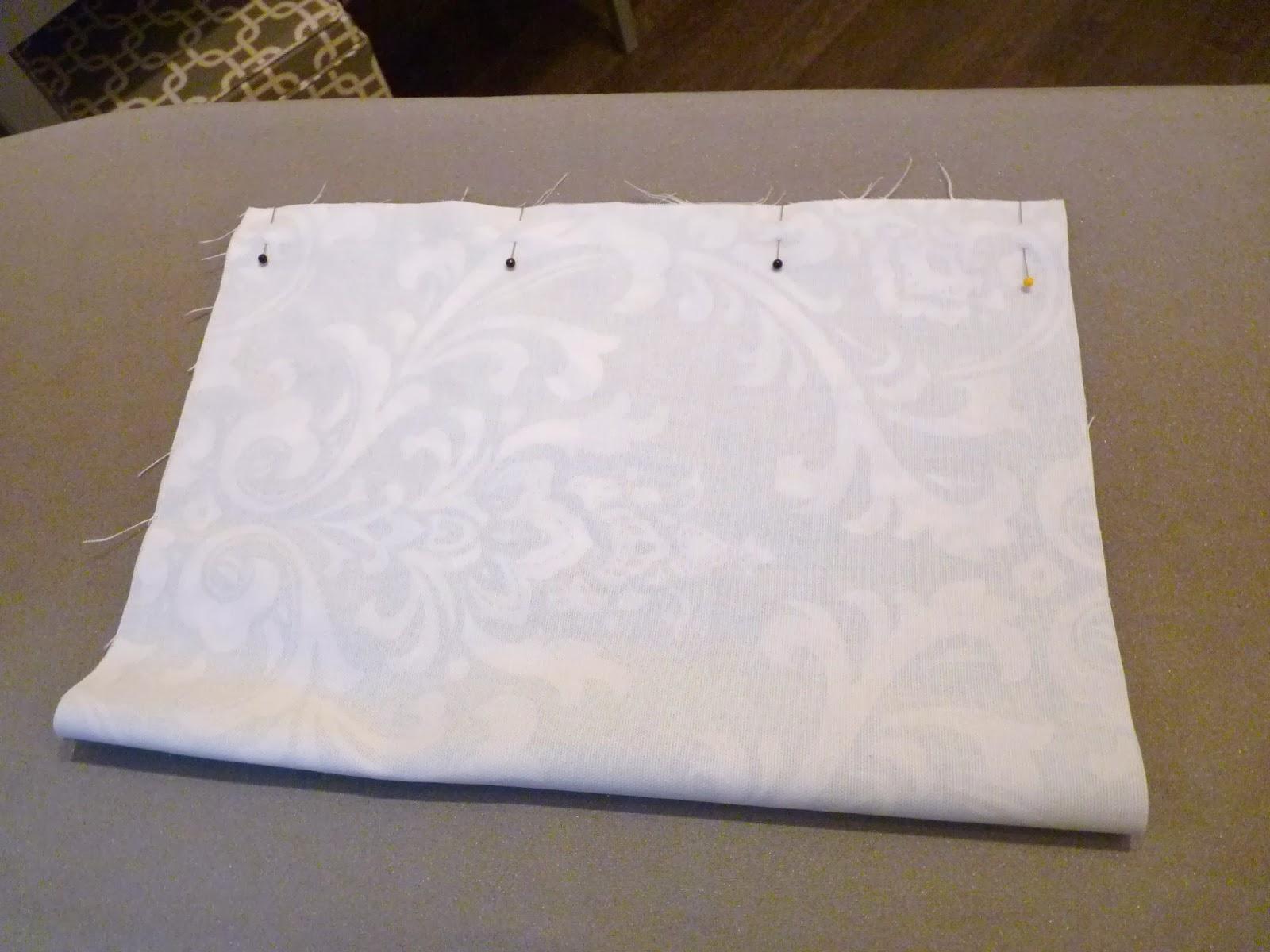 d i y d e s i g n & d i y d e s i g n: How To Sew A Custom Bolster-Cushion Cover pillowsntoast.com