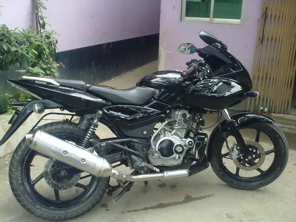 Pulsar 150 Modified http://321pulsarmania.blogspot.com/2011/02/pulsar-150-as-220.html