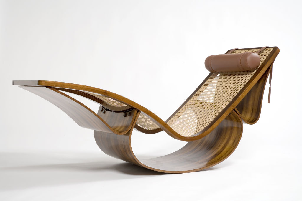Chair love oscar niemeyer rio chaise lounge for Chaise longue de couleur