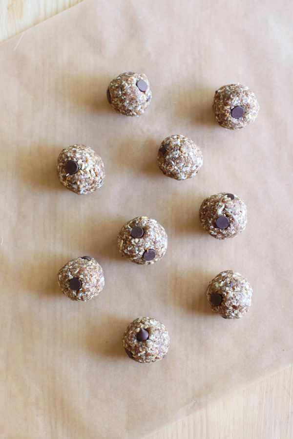 No-bake lactation cookies—raw so you can eat them right away!