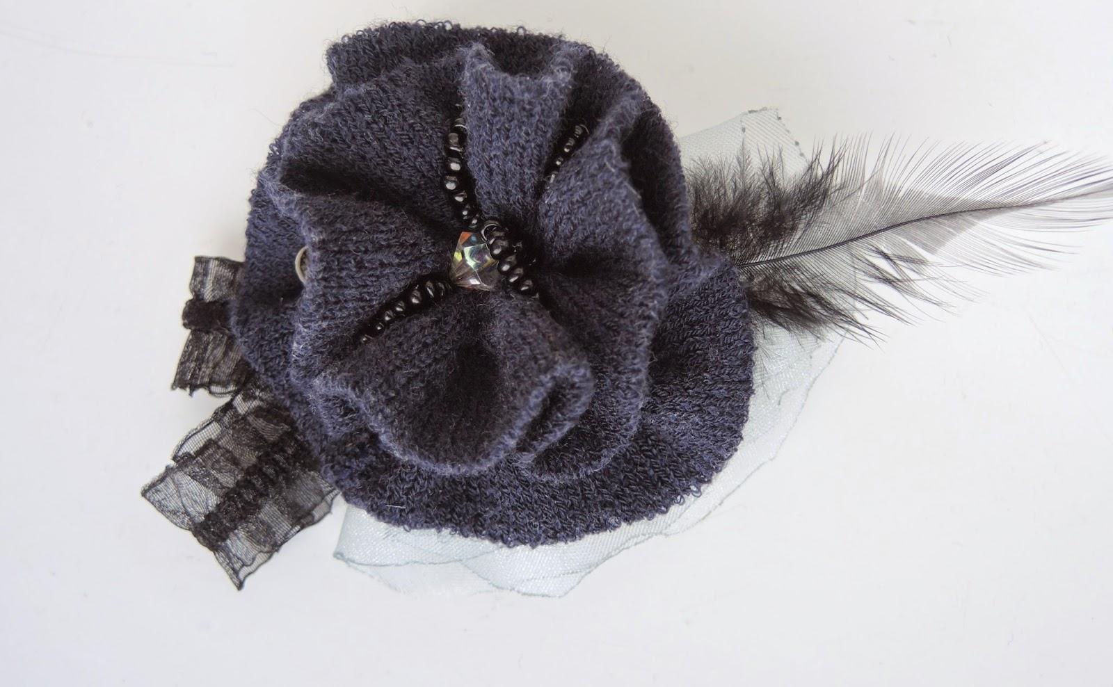 brooch, jewelry, handmade.jpg брошь брошка броши своими руками трикотаж ткань перо бусины украшение из галстука