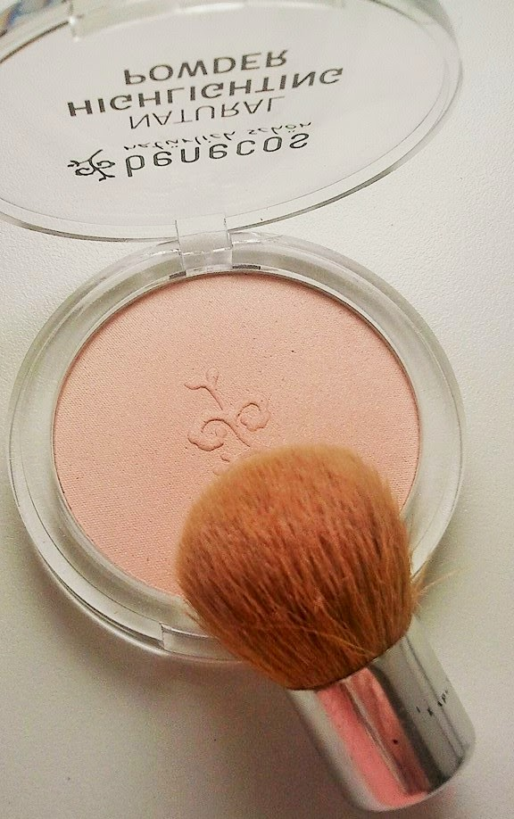 Benecos-Highlightning-Powder-wit-baby-buki-photo-by-joanna-tolpan