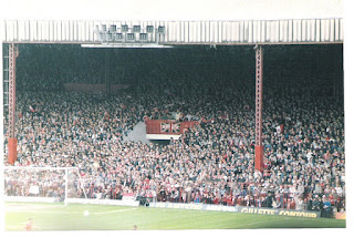 The Stretford End in 1985 United v Forest